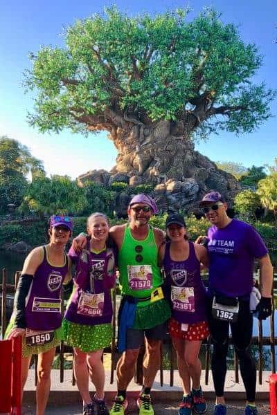 Disney Marathon take pictures