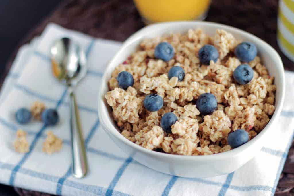 avoid these 10 mistakes with race travel; #runningtips #running #oatmeal